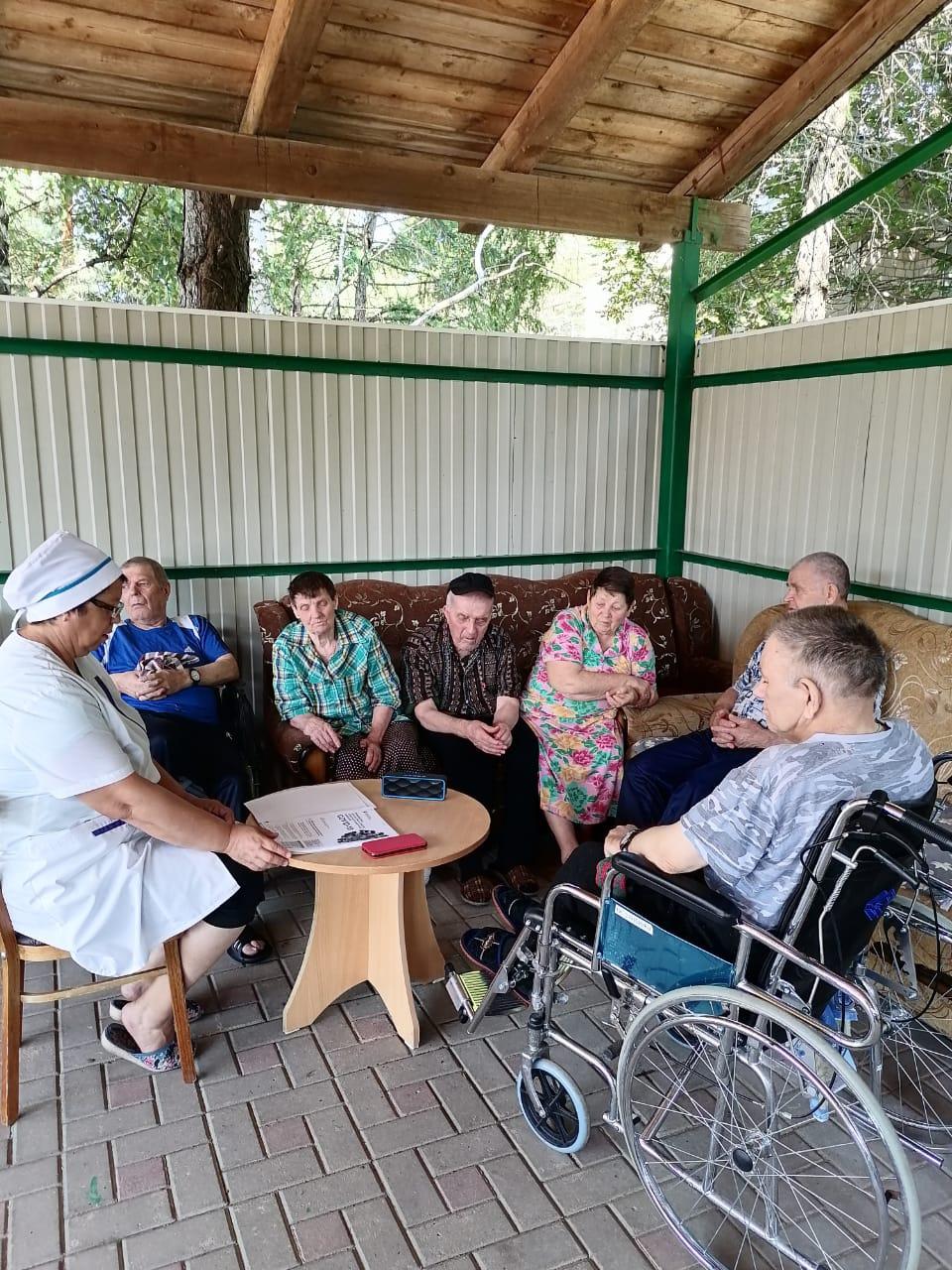 Трудотерапия в социально-реабилитационном отделении № 2